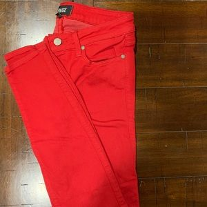 Statement red PAIGE jeans